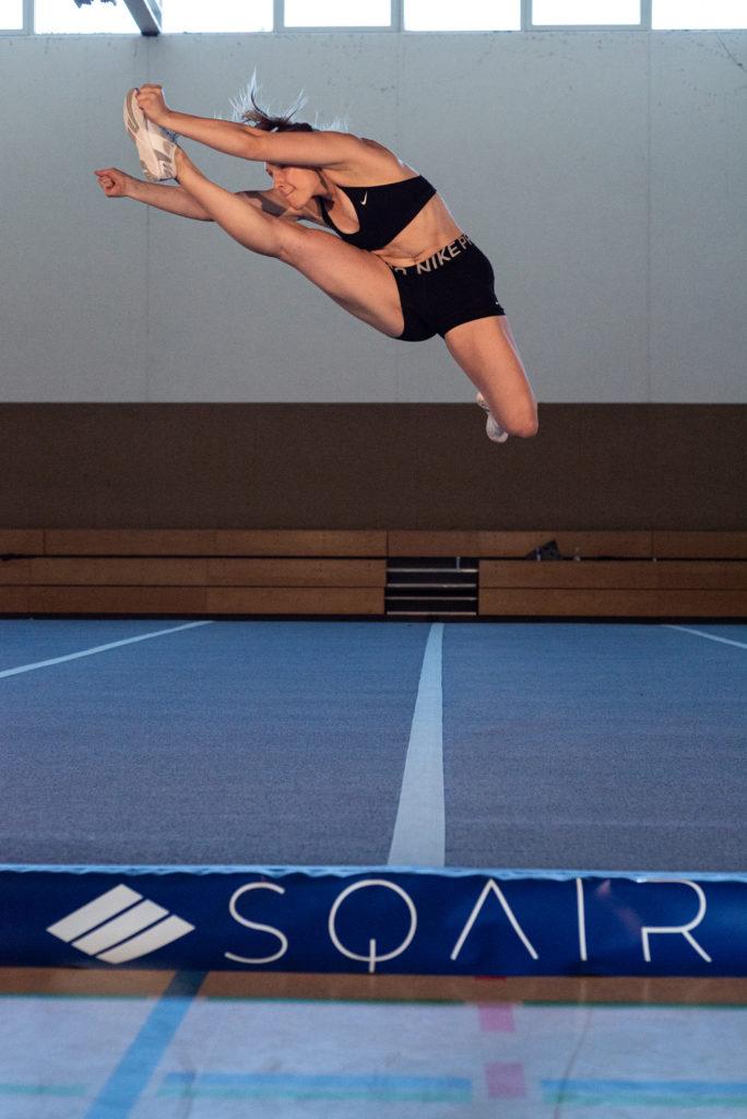 Jump von Cheerleader